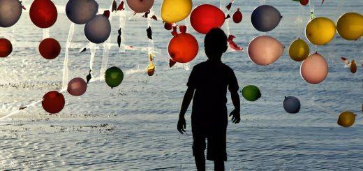 Friedensballons für Flüchtlingskinder in Izmir